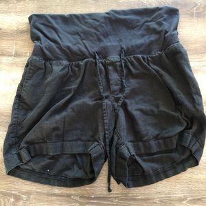 Old Navy Maternity black shorts